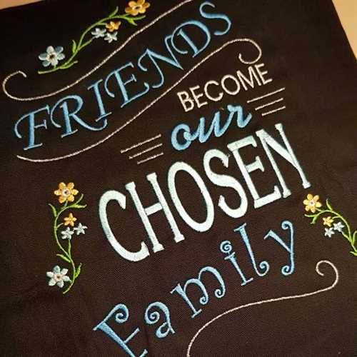 """Friends become our chosen Family"" pude"